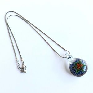 Jewelry - Glass pendant necklace